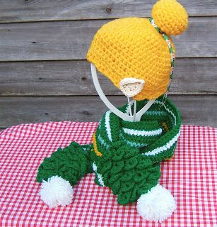 Tinkerbell Crochet fairy hat with a Pom Pom Leaf Scarf Free pattern Kitschnclocks: This week's makes