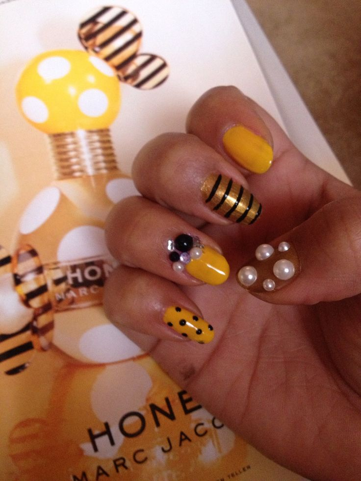 32 best bee art images on pinterest california hair animaux and bumble bee nail art for a marc jacobs contest they were doing for the honey perfume prinsesfo Image collections
