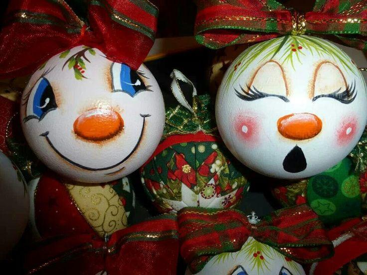 Snowman - vanity light bulb inspiration