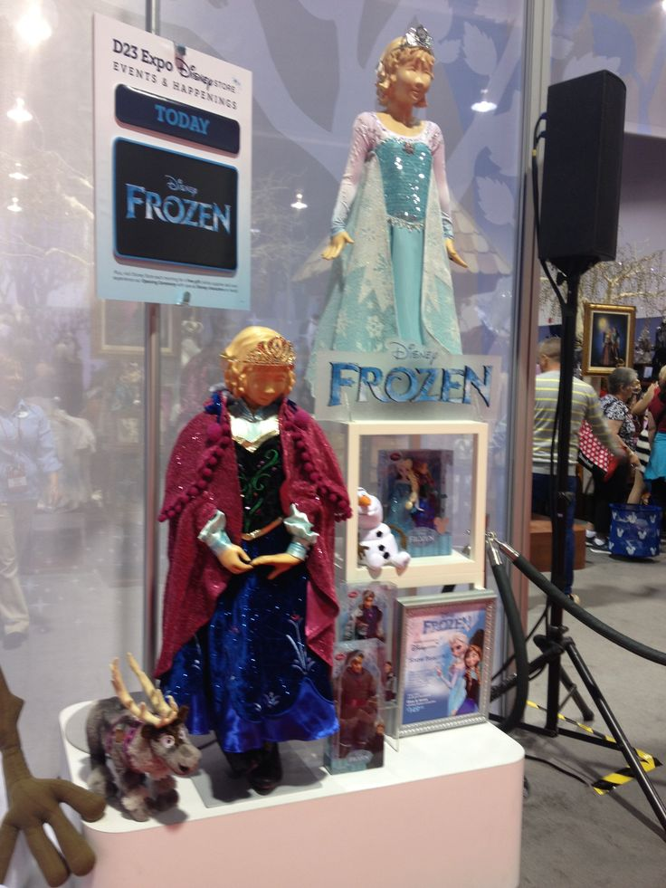 frozen costume at the disney store elsa and anna at d23. Black Bedroom Furniture Sets. Home Design Ideas