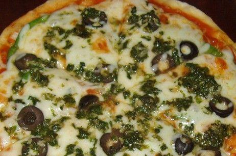 Menikmati Pizza Tabur Ganja, Bikin Happy Terus