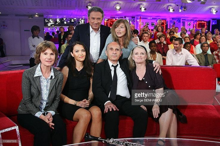 'Vivement Dimanche' Tv Show In Paris, France On May 21, 2008 - Miou Miou, Guy Marchand and his wife Adelina, Marie-Christine Barrault, Michel Drucker, Marie-France Pisier.