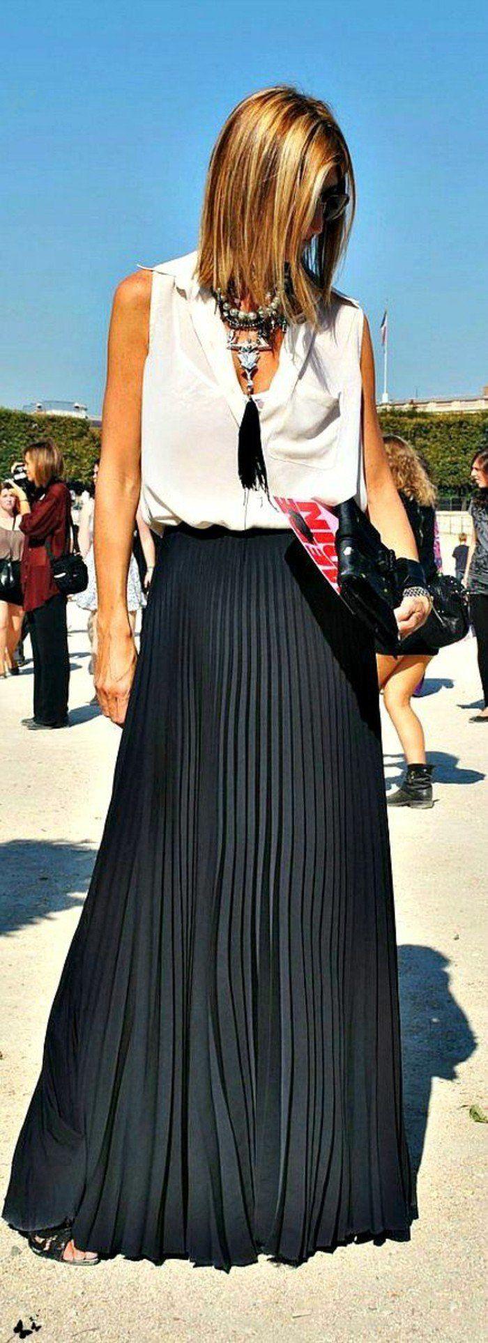 jupe longue plissée noire femme avec top blanc
