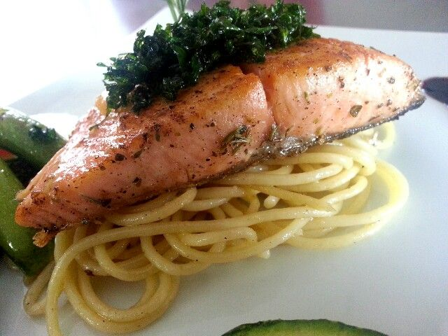 Salmon con pasta