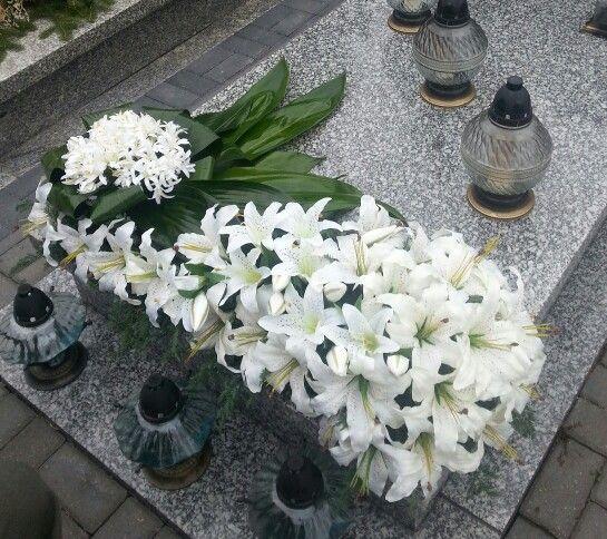 Dekoracja grobu biała