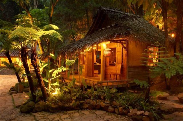 Kampung Daun - Bandung. deket sm villa d bandung. cukup cozy utk ngumpul =D