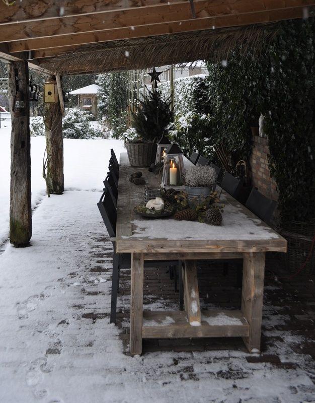 Kersttafel buiten