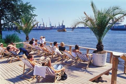 Hamburg ELBE Blick und Bar