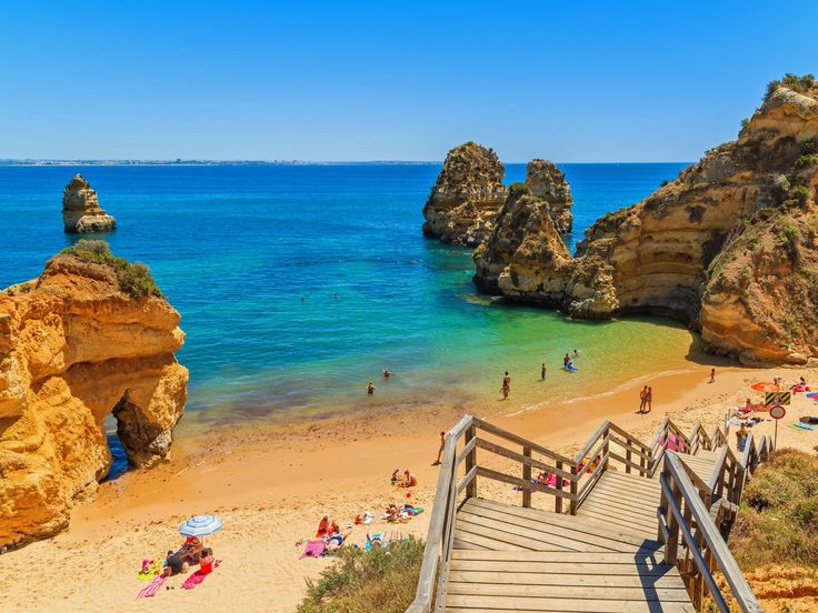 24. Portugal — Despite not being the wealthiest or most powerful nation, Portugal is rich in cultural history and is one of the best countries to retire or travel to, according to US News.