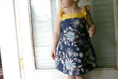Oliver & S Popover Sundress - free pattern! I'm making one for Gracie in pink linen as soon as I choose a fabric for the bodice.