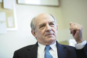 Charles Murray, Author of 'The Bell Curve,' Steps Back Into the Ring.