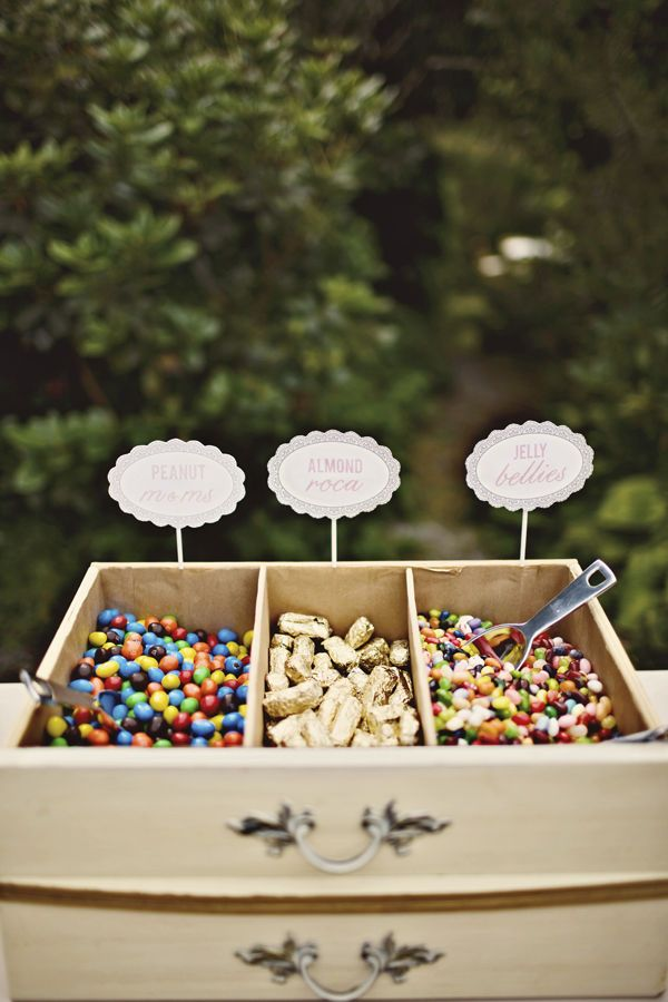 When I saw this on a Style Me Pretty wedding, I fell in love. I love using things in ways that you wouldn't expect, and this is definitely considered a part of that description. Vintage drawers from a desk or chest, used for displaying desserts and candy? Fabulous idea! Photos by Simply Rosie Photography, via …