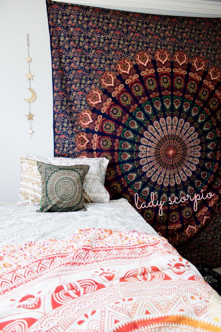 Round Mandala Aurora Tapestry Lady Scorpio ♏︎