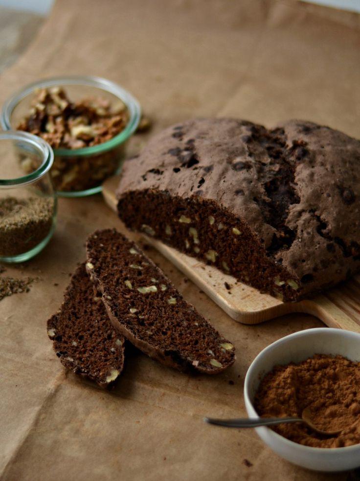 Pão de centeio, alfarroba e nozes - Compassionate Cuisine