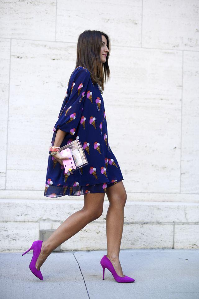 Hoy os traigo algunos clones que podéis encontrar en Shein de ropa que han llevado bloggers. Empezamos por Lovely Pepa:  Vestido Pepe Jeans vs Shein (aqui)  Sudadera Mekdes vs Shein (aqui) (la hay en