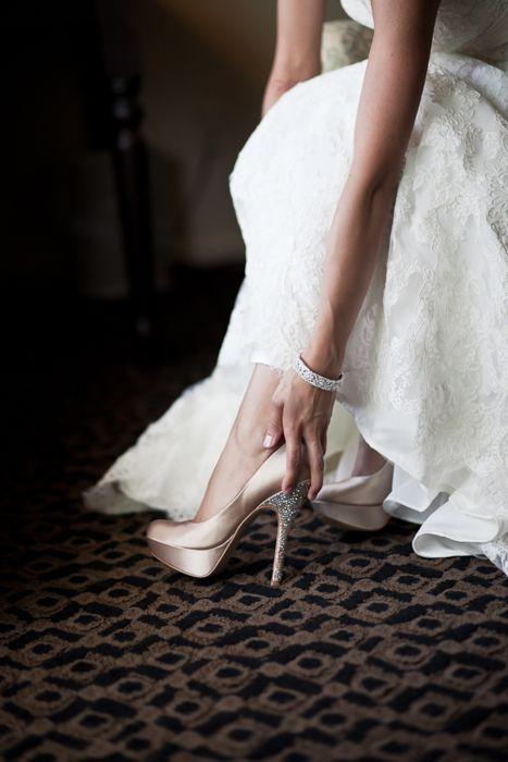 Blush pink wedding shoes   Keywords: #weddingshoes #jevelweddingplanning Follow Us: www.jevelweddingplanning.com  www.facebook.com/jevelweddingplanning/