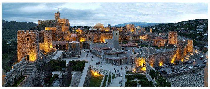 Грузия. Ахалцихе. Крепость Рабат - ее масштабы и красота, даже на фотографиях вызывает восхищение.