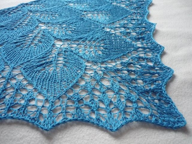 Handmade Knitting Patterns : The 23 best images about Knit Shawls on Pinterest Free pattern, Lace cardig...