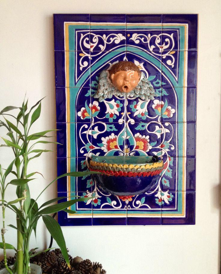 Fuente de pared baldosas pintadas a for Jardin spanish