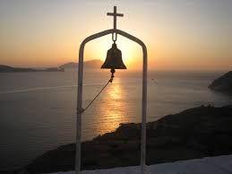 Pour votre voyage en Grèce sur les iles des cyclades, je vous propose de séjourner aussi àMilo, une des plus belles iles grecques. Si votre circuit Cyclades comprend Milos, vous aurez des vacances en Grèce inoubliables pour les raisons suivantes...…