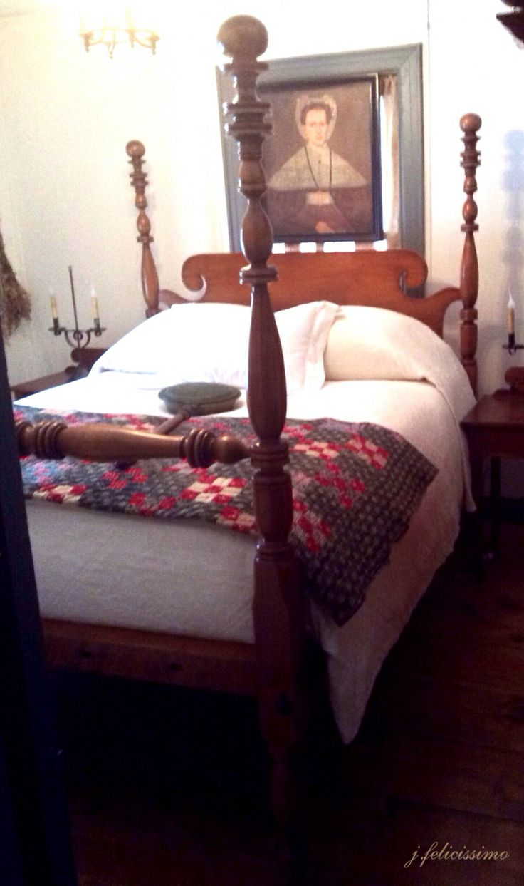 20 best images about primitive colonial bedrooms on pinterest for Colonial bedroom decor