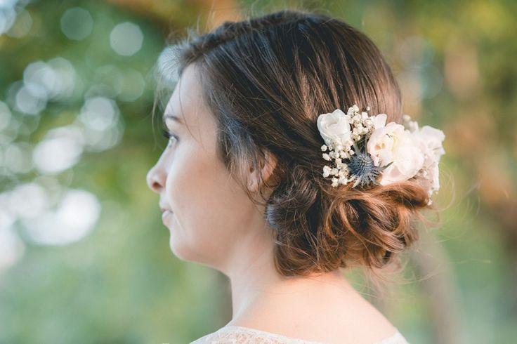 Coiffeuse à domicile Amelie Gouttenoire - Broche fleurs - Lyon-mariage.com