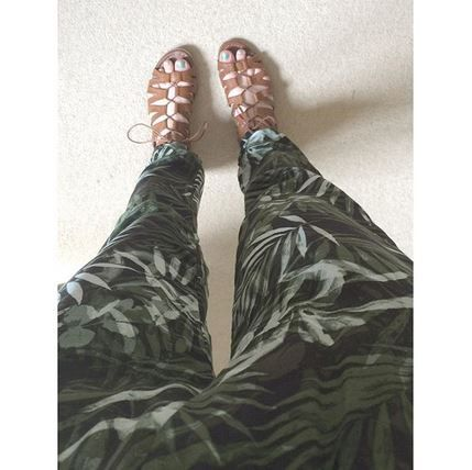 Make sure your sandal game is ready if the sun does appear... c/o asdfghjklsophie in schuh Game On tan sandals.