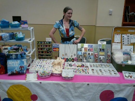 Best 25 craft show booths ideas on pinterest vendor for Vendor craft shows near me