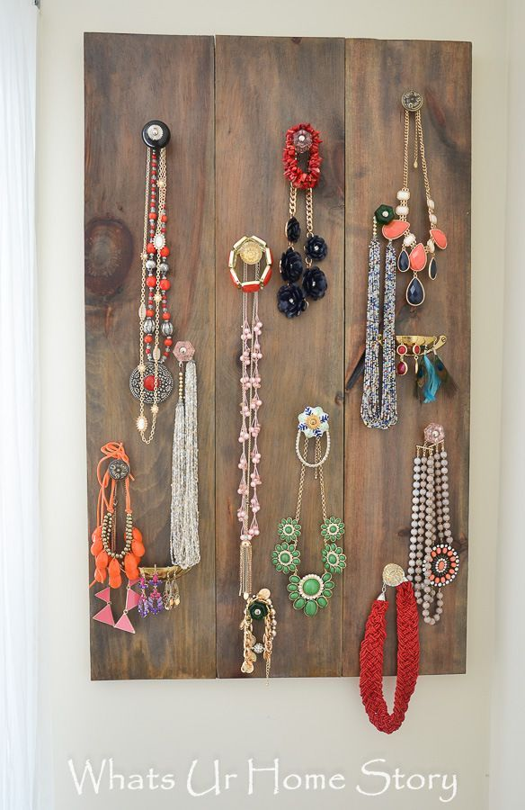 What can you do with 3 wood planks and some knobs and pulls? How about a vertical jewelry organizer? #organization #storage