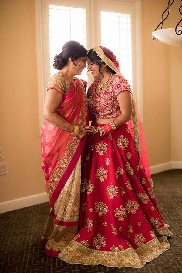 Lavish Traditional Indian Wedding Strictly Weddings Traditional Indian Wedding Indian Wedding Bride Clothes