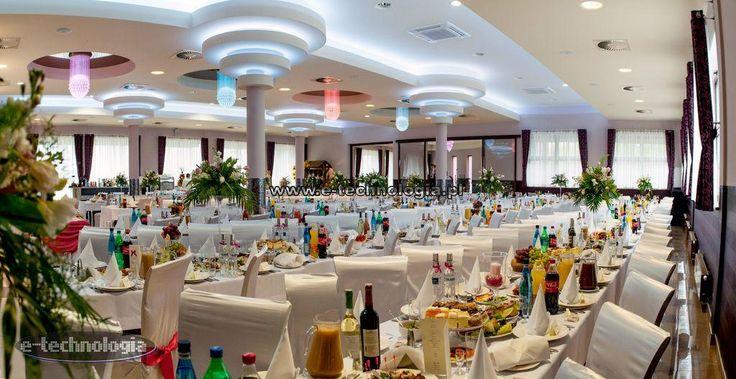 oświetlenie światłowodowe na sali weselnej - oświetlenie światłowodowe na suficie sala weselna - oświetlenie światłowodowe do nowoczesnej sali weselnej e-technologia