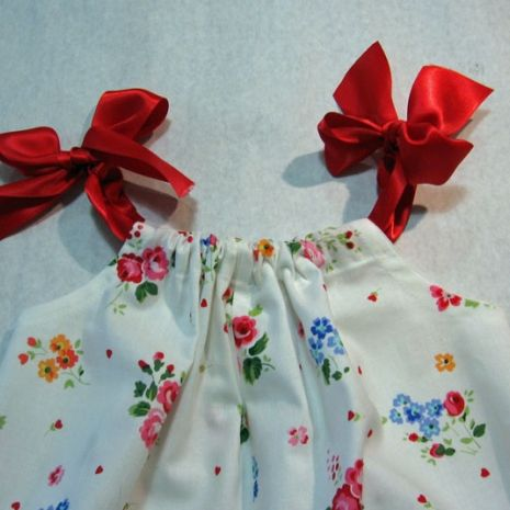 Pretty Baby Romper Pattern for Beginners --- fast and easy to make.