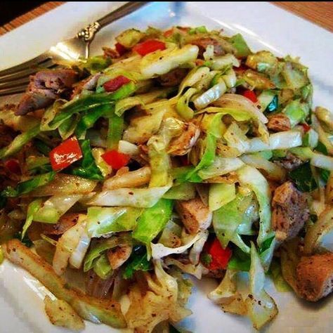 CHICKEN CABBAGE STIR FRY ... DO NOT LOSE THIS!   Ingredients  ~ 3 chicken breast halves  ~1 teaspoon oil of your liking  ~3 cups green cabbage, shredded  ~1/2 cup diced red bell peppers  ~ 1 tablespoon cornstarch  ~1⁄2 teaspoon ground ginger  ~1 teaspoon garlic powder  ~1⁄2 cup water  ~Soy sauce to taste   Directions  1. Cut chicken breasts into strips.  2. Heat oil in a frying pan.  3. Add chicken strips and stir fry over medium-high heat, turning constantly until done.  4. Add cabbage and…