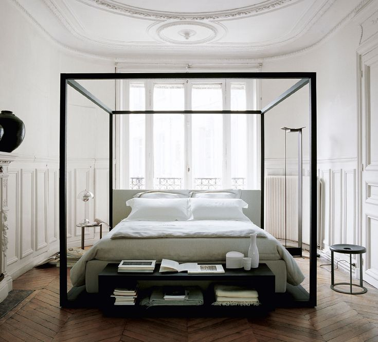 "Beds: ALCOVA - Collection: Maxalto -"" Design: Antonio Citterio"