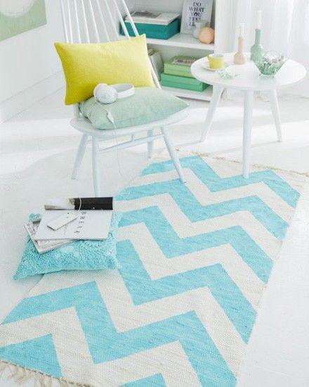 Un tapis à chevrons DIY