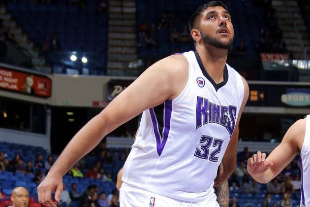 "7'5"" Sim Bhullar Signs with Kings, Will Be 1st Player of Indian Descent in NBA"