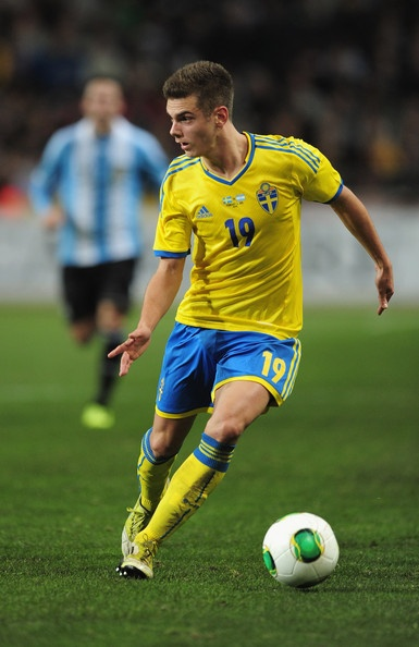 KAČANIKLIĆ, Alexander | Midfield | Burnley (ENG) | @AKacaniklic | Click on photo to view skills