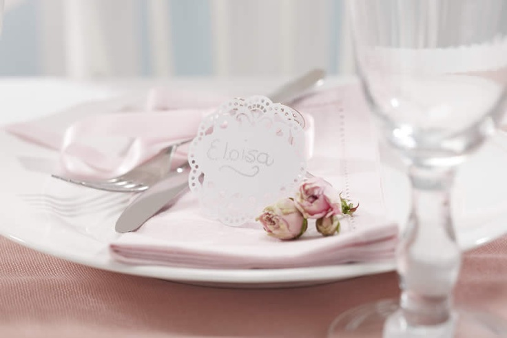 Stand alone vintage shaped place cards with delicate laser cut lace edge. The perfect addition to any table setting.Pack of 10.