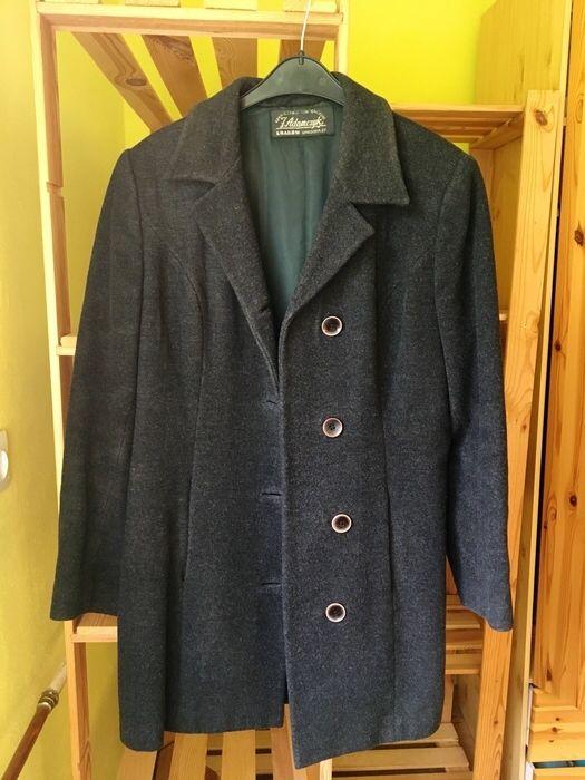 Szary melanżowy płaszcz basic minimalizm tumblr wełna Inna z mojej szafy! Rozmiar 38 / 10 / M za 59.00 zł. Zobacz: http://www.vinted.pl/damska-odziez/plaszcze/15202152-szary-melanzowy-plaszcz-basic-minimalizm-tumblr-welna.