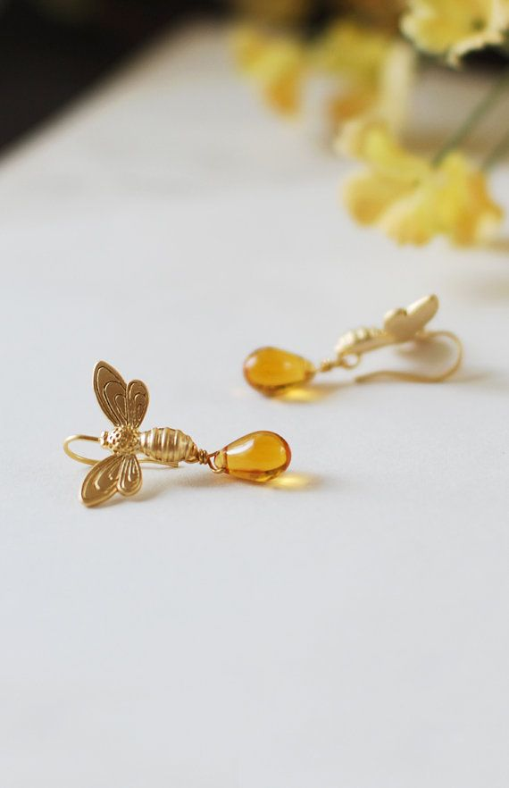 Bee Earrings. Gold Bee and Honey Drops Earrings. Matte Gold Bees Golden Amber Teardrop Czech Glass Beads Earrings.