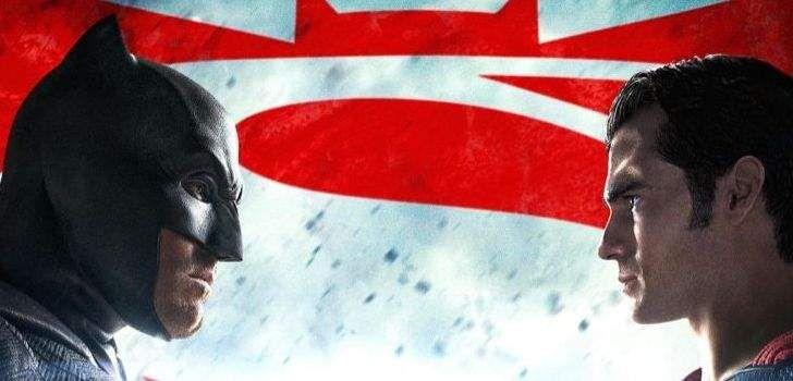 Comapenas 2 meses de distância nos separando de um dos eventos mais esperados da cultura pop dos últimos anos, a Warner Bros. continua sua divulgação massiva do longa, com um novo pôster para Batman Vs Superman e a capa de março da revista Empire, que figura os 2 super-heróis, revelados. O pôster em questão, que …
