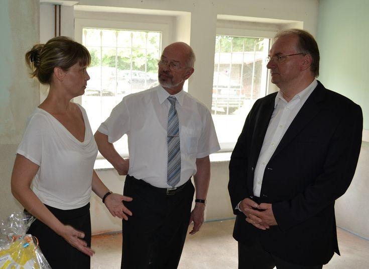 v.l.n.r.: Silvia Seifert, Oberbürgermeister Dr. Volkmar Kunze und Ministerpräsident Dr. Reiner Haseloff