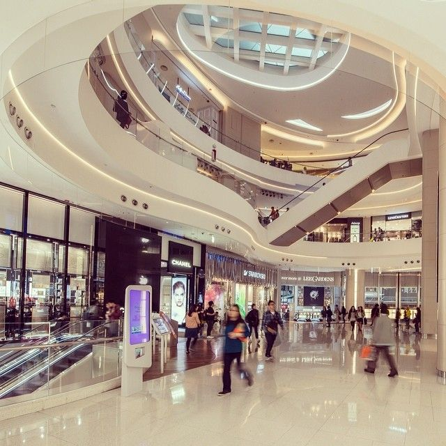 Hayson Place Hong Kong Includes 17 Levels Of Retail With Two Internal Atria And
