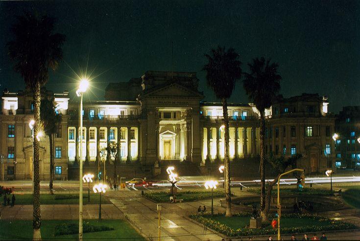 Casación 2434-2014, Cusco: Posesión pacífica para usucapir no se afecta por la remisión de cartas notariales o inicio de procesos judiciales