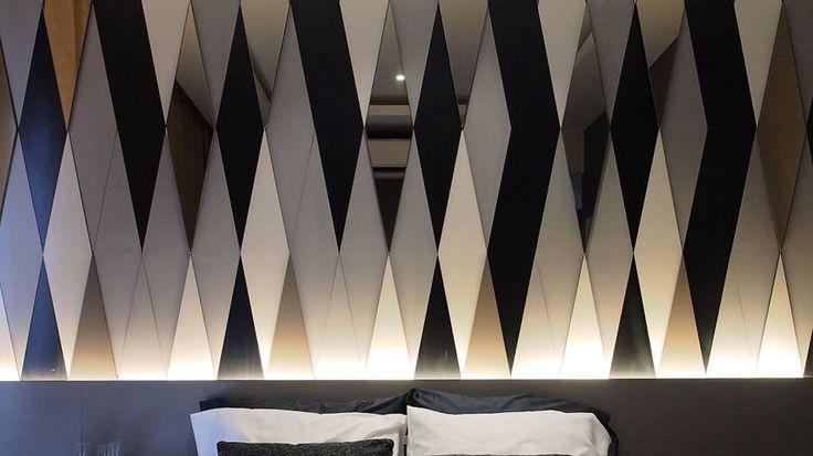 Shine bright like a diamond  #sachi #canary #elegant #luxury #stylish #vogue #modern #chic #trend #interiordesign #homedesign #house #design #lifestyle #inspired #instapic #instagood #instacool #instaphoto #l4l #diamonds #concept #ideas #goodvibes #potd