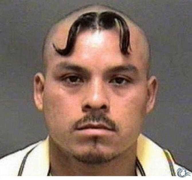 Schnurrbart Am Kopf Haarschnitt Manner Lustige Frisuren Frisuren