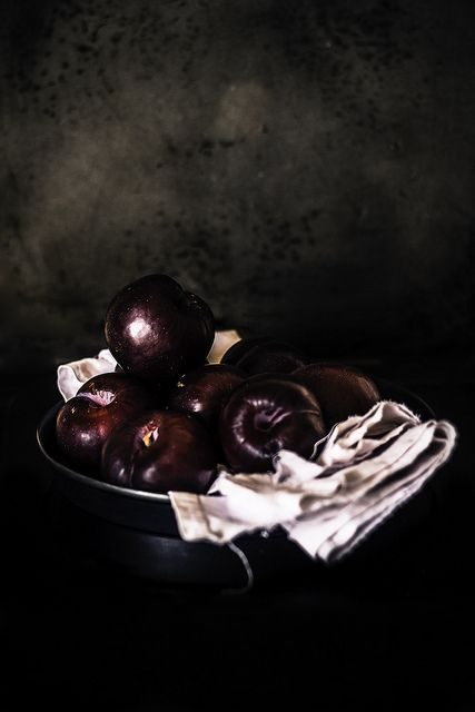 I don´t know why, but I'm drawn to these dark, dirty colors ... especially when it´s food photography