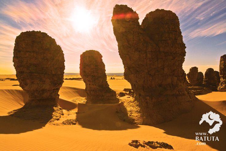 أجمل-الصور-السياحية-في-الجزائر----شمس-الظهر-في-الصحراء-الكبرى-في-الجزائر