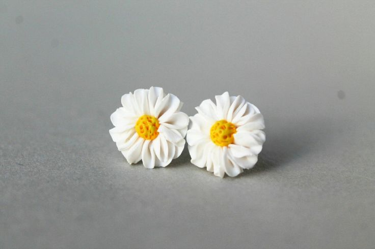 Daisy Flower Earrings - Handmade Flower Earrings - Flower Jewellery - Gift for Her - Daisy Studs - Polymer Clay Earings - Fimo Earrings by AntoniaCrafts on Etsy https://www.etsy.com/uk/listing/479488593/daisy-flower-earrings-handmade-flower