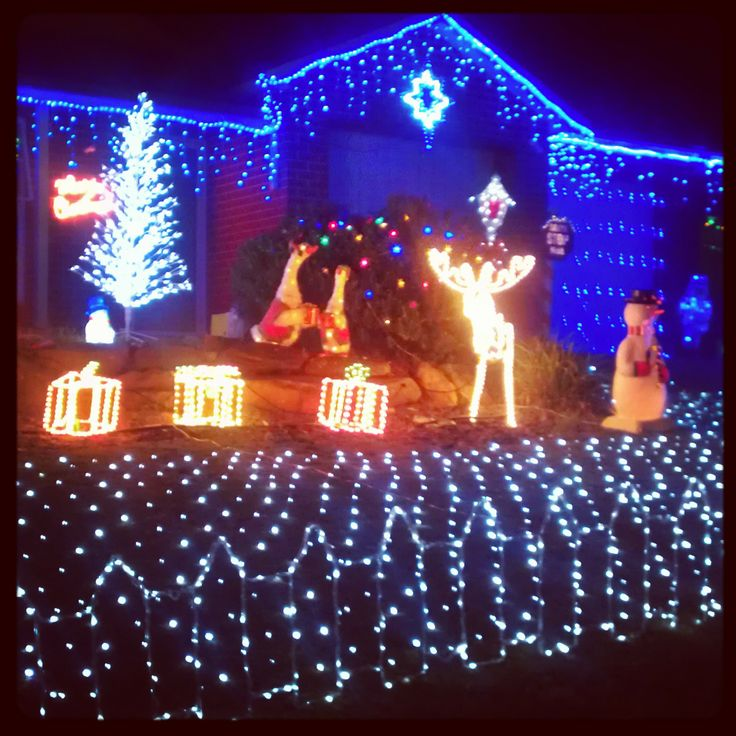 Just a taste of the #Lobethal Lights, the town with a #Christmaslights addiction. Great fun #australia #southaustralia #adelaide #gadelaide